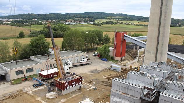 Písecká teplárna dostala první část nového kotle na biomasu.