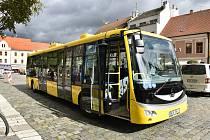 V Písku budou jako MHD nově jezdit jen elektrobusy a autobusy na zemní plyn.
