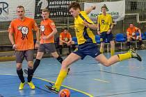 Real Club (ve žlutém) porazil SK Orange Sheep 6:2