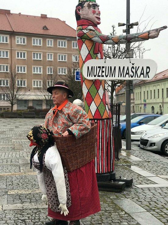 Letošní Milevské maškary v ulicích.