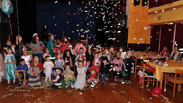 Dětský karneval v Mirovicích.