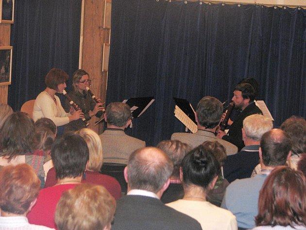 Společný koncert souborů Fautores Flautae a Travers Kvartet ve Vysokých trámech písecké Sladovny.