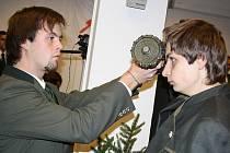 Pasování nových studentů lesnické školy.