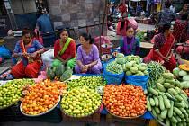 Beseda provede z Tibetu přes Nepál do Indie.