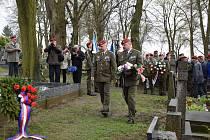 Vzpomínka na generála R. S. Krzáka v Bernarticích.