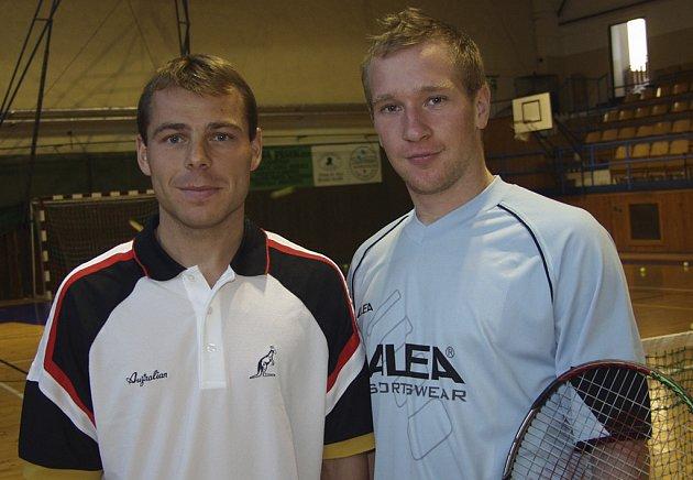 Lukáš Dlouhý (na snímku vpravo spolu s dalším píseckým tenistou Tomášem Zíbem) se již v těchto dnech připravuje na lednový grandslamový turnaj Australian Open.