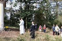 Požehnali obrazu sv. Michaela v kapli na Slomínku u Mirovic.