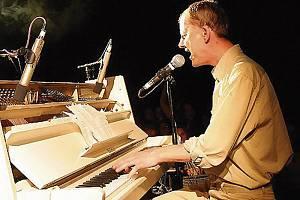 Filip Topol - frontman skupiny Psí vojáci.