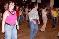 Písecké dupání - workshop pro tanční styl line dance s lektorkou Nancy Morgan z USA tanečníky nadchnul.