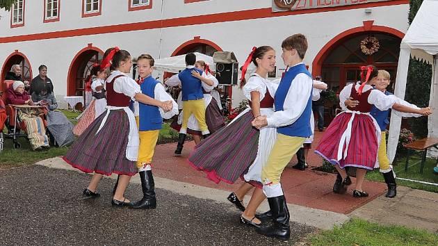 Zámecká slavnost v Drhovli.