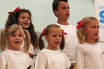 Oficiální předání ocenění a oslava vítězství Čížové v soutěži Vesnice roku 2010 Jihočeského kraje.