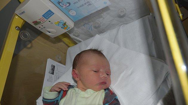 Jonáš Přibyl z Milevska. Miroslava a Petr Přibylovi se těší z prvního syna, který se narodil 8.10. 2018 v 10.46 hodin. Vážil 3630 g a měřil 51 cm.