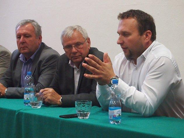 Ministr zemědělství Marian Jurečka navštívil Střední zemědělskou školu v Písku.