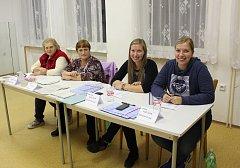 Volební komise v Orlíku nad Vltavou.