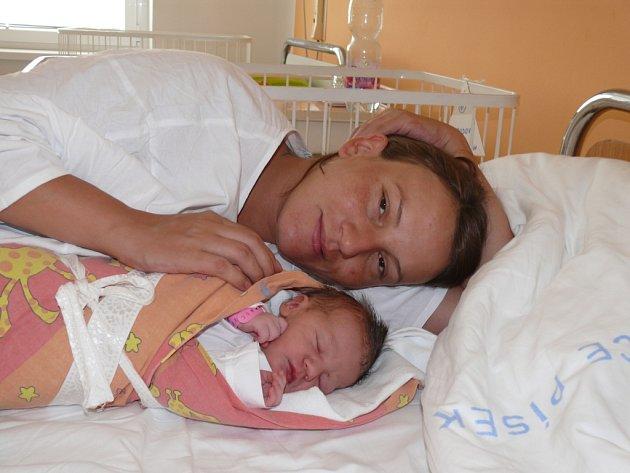 Anna Svobodová,  Týn nad Vltavou, 3. 8. 2012 ve  3.38  hodin,  2840 g,  43 cm.