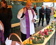 Žehnání adventních věnců v Čimelicích.