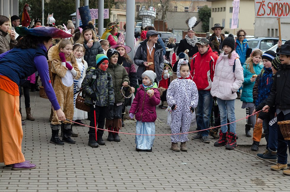 Masopustní průvod městem Základní školy Svobodná Písek.