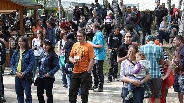 Open air festival Rockem proti rakovině v Ražicích.