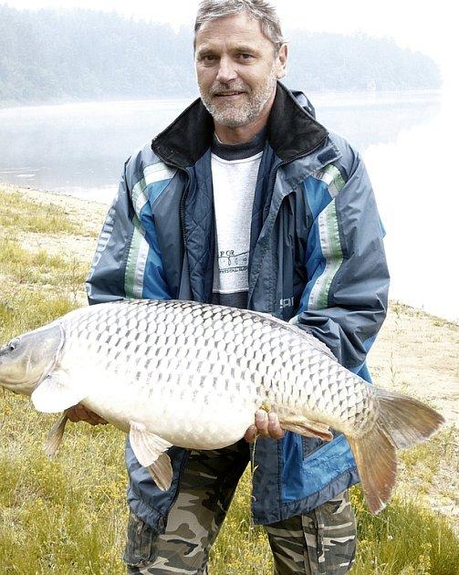 Šťastný rybář (i kapr, protože byl poté vypuštěn zpět)