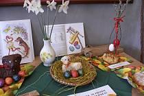 V infocentru v kaplance v Protivíně je výstava, která připomíná velikonoční tradice.