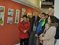 Vernisáž výstavy tří výtvarnic v galerii Portyč.