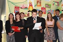 Konec školního roku v ZŠ M. Alše v Miroticích.