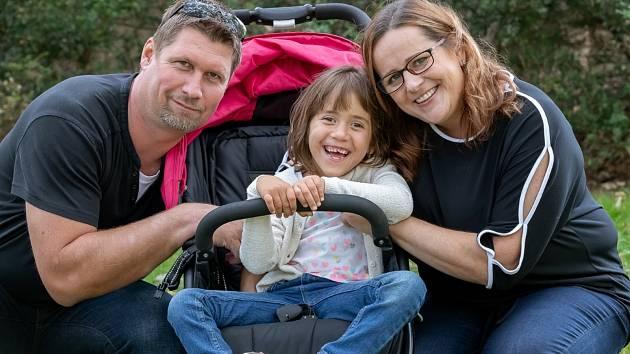 Nellinka s rodiči.