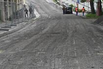 Práce zahrnují úsek od ulice 5. května po křižovatku s Úzkou ulicí.