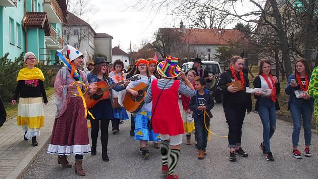 V Záhoří měli karneval i masopustní průvod obcí.