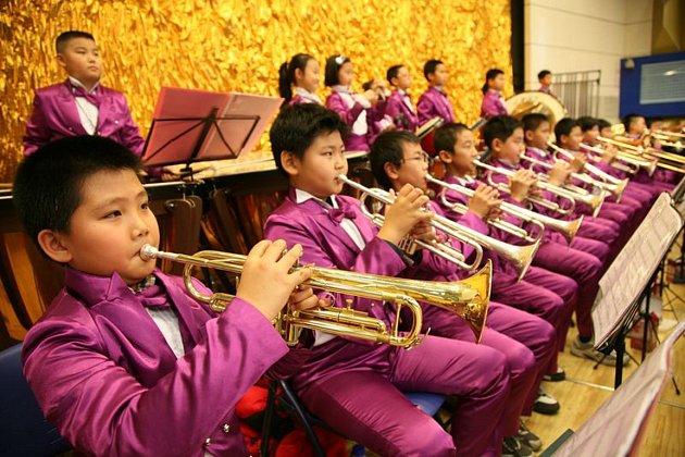 Mladí hudebníci z Číny, kteří vystoupí na festivalu v Písku.