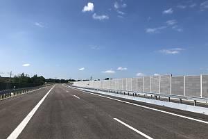 Řidiči, kteří se vydají na dálnici D1 teď musí počítat s komplikacemi. Ilustrační foto.