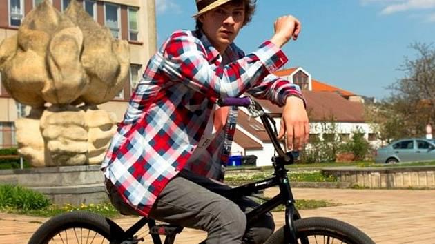 KOLO. Podle Ondřeje je ježdění na kole více kreativní sport než fotbal, kterému se věnoval odmala.