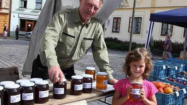 Včelař Vlastimil Mládek.