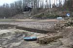 Nedaleko Doubravy u Chrášťan odhalilo snížení hladiny Orlíku zbytky stavby bývalé elektrárny, která byla za první republiky postavená na místě bývalého Nového mlýna pro protivínský pivovar. Také ona musela ustoupit přehradě.