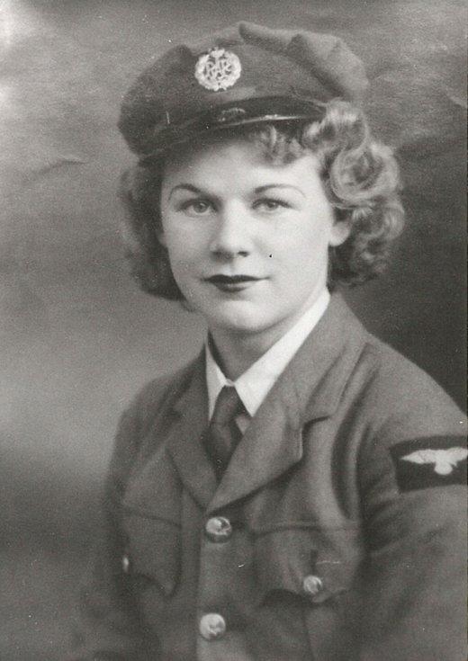 Plukovnice Královského letectva  Joy Kadečková.