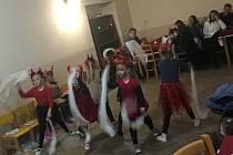 Vystoupení dětí z MŠ Kostelec nad Vltavou a dětského sboru Kosteláček.