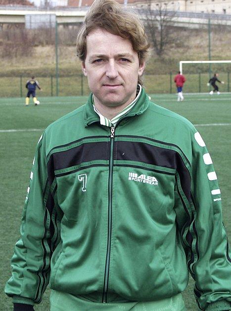 BEZ GÓLU. Jiří Kunt odvedl v zápase proti týmu FC ZVVZ dobrý výkon, přesto Čížová prohrála 0:1.