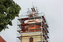 Kostel svatého Ondřeje v Radobytcích má od loňska novou báň.
