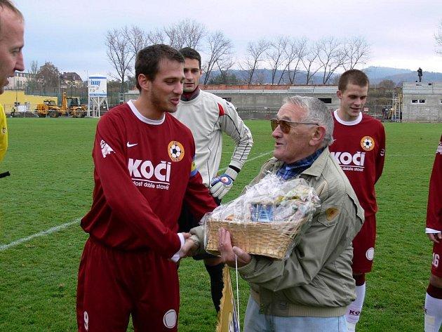 Bývalý písecký fotbalista Vlastimil Soucha oslavil osmdesátiny.