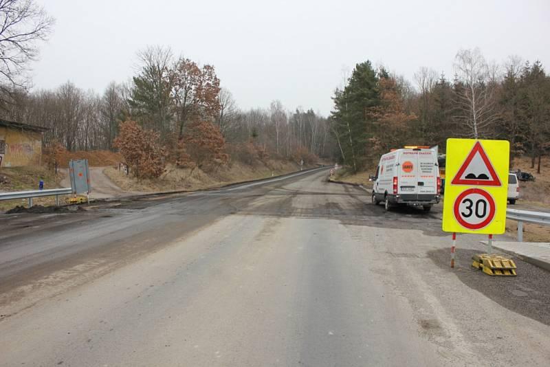Oprava silnice od Žďákovského mostu ke Kostelci nad Vltavou