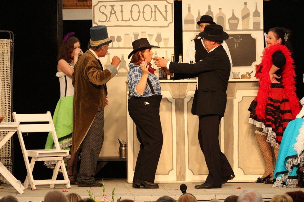 Kovářovská OPONA na Hostínském divadelním létě.