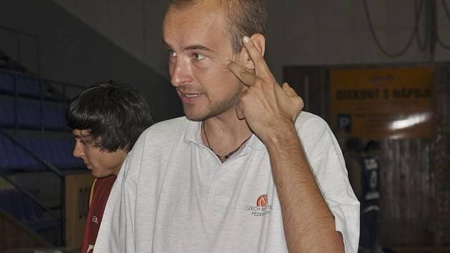 Trenér píseckých juniorů Miroslav Janovský (na snímku) byl spokojen s výhrou svých svěřenců nad Prostějovem, porážka od silného týmu JBC Brno jej mrzela.