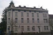 Budova spořitelny na náměstí E. Beneše.