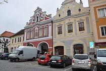 Měšťanské domy s bohatě zdobeným průčelím v Jungmannově ulici v Písku.