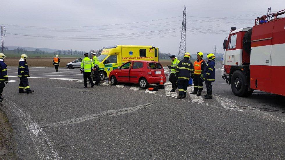 Vážná dopravní nehoda na letovské křižovatce.