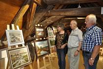 K nejúspěšnějším akcím galerie Kaplanka v Protivíně  patřila letos výstava obrazů místního malíře Josefa Miloty.