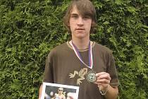 Michal Fučík z Chyšek vybojoval na republikovém,atletickém víceboji skvělou stříbrnou medaili.