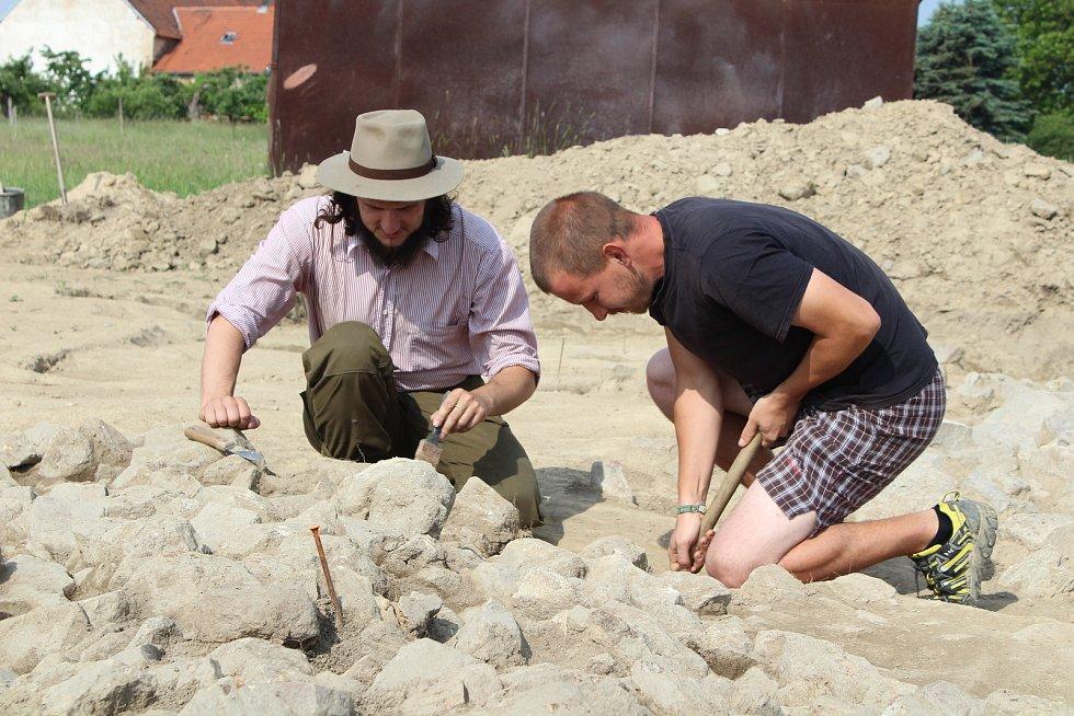 Archeologický výzkum v Albrechticích nad Vltavou.