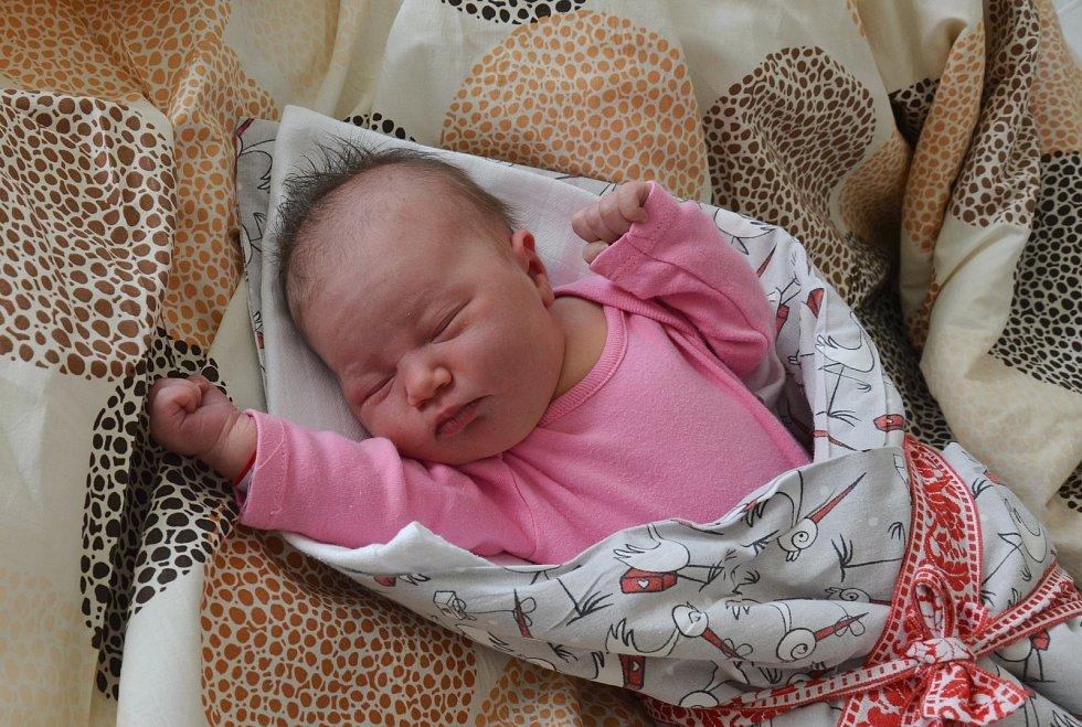 Ella Šoulová z Neznašova. Dcera Lucie a Lukáše Šoulových se narodila 22. 2. 2021 ve 22.19 hodin. Při narození vážila 3350 g a měřila 48 cm. Doma ji přivítal bráška Dominik (3).