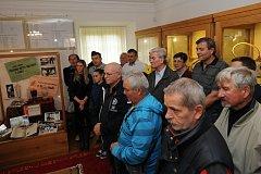 Výstava Svět bílého sportu připomíná 90 let tenisu v Milevsku.